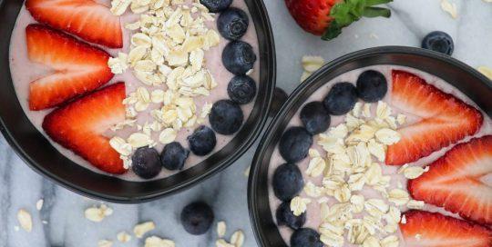 Strawberry Almond Oatmeal Bowl