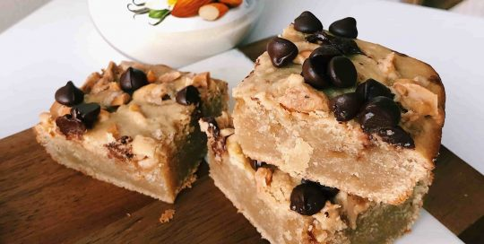 Salted Vanilla Almond Blondies